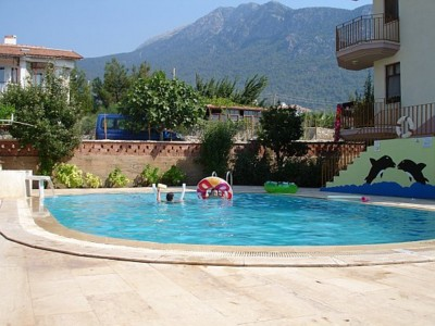 The pool at Yilmaz Apart